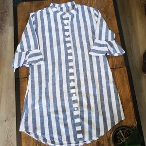 Tops - Blue and white striped shirt